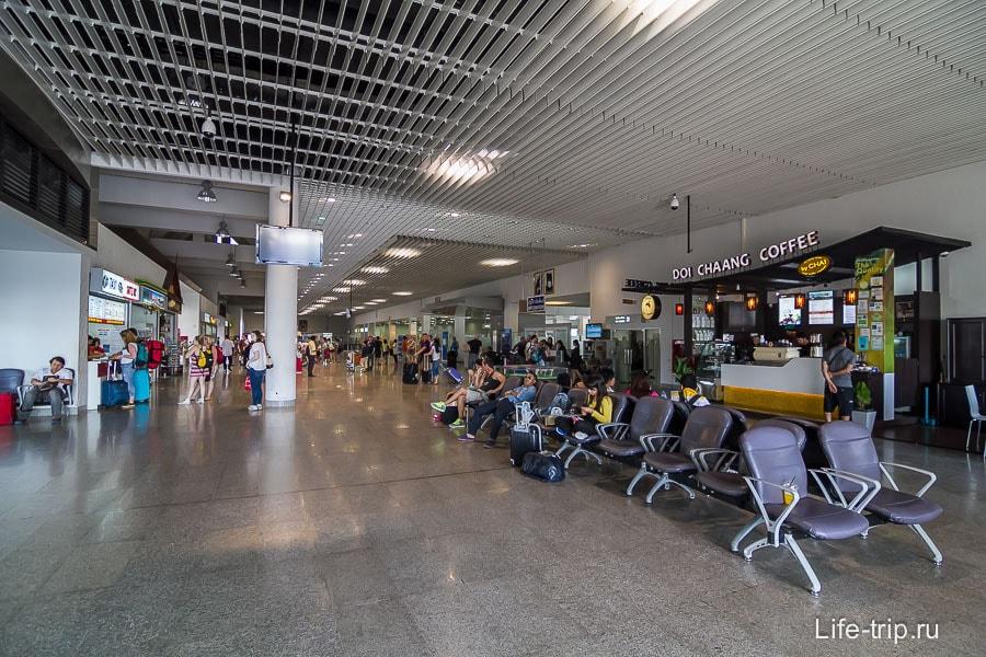 Внутри Терминала 2
