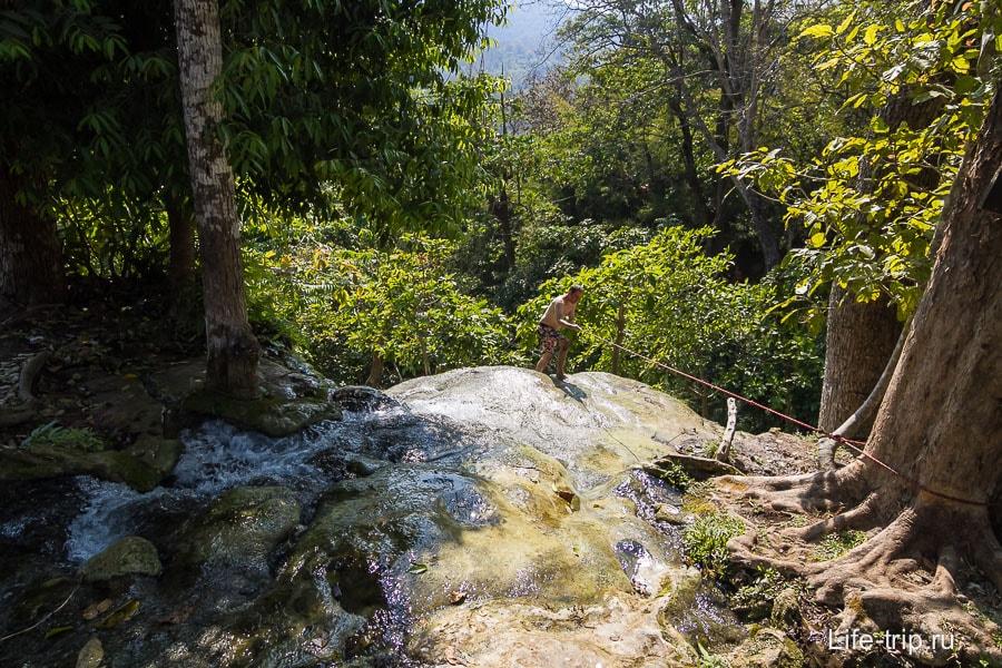 Верхний каскад Buatong Waterfall