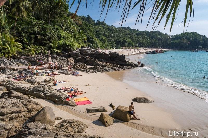 Тот самый пляжик, который отделён скалой от остального Фридома