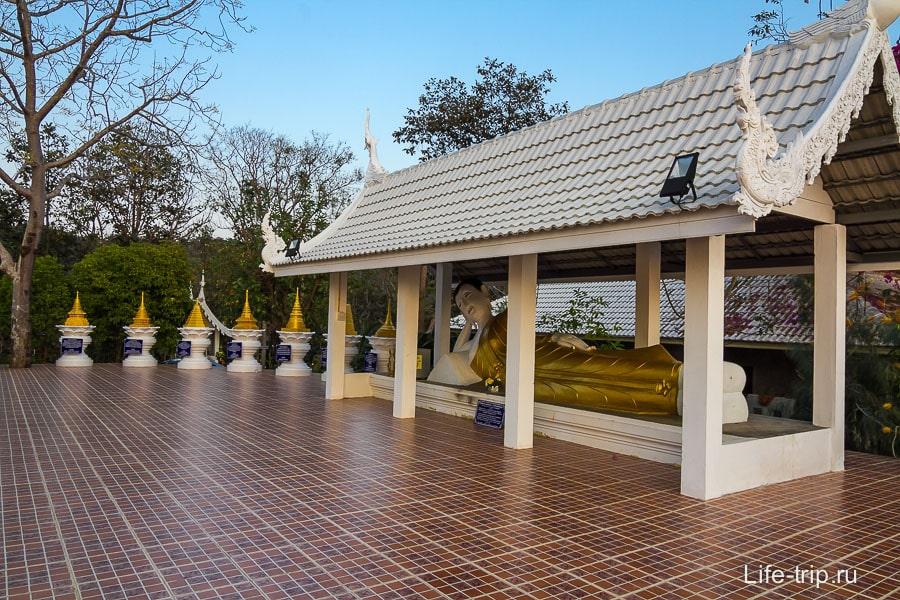 Как же тайский храм без Лежащего Будды