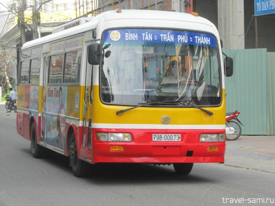 Городской автобус во Вьетнаме