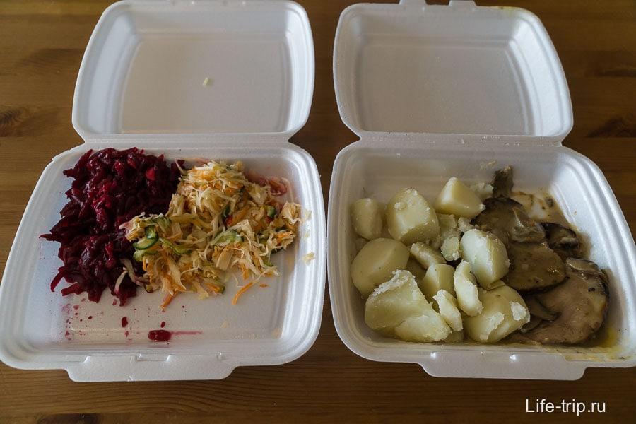 Еда в столовой стоит 180 руб за порцию