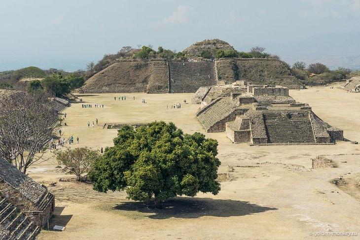 Пирамиды Монте-Альбана