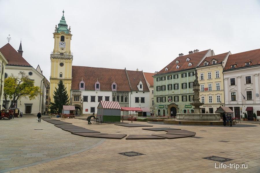 Главная площадь в Старом городе Братиславы
