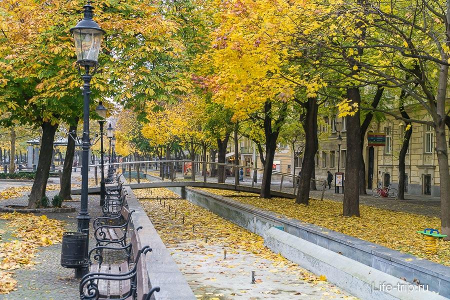 Осенние улочки в старом городе Братиславы