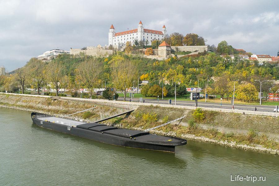 Знаменитый Братиславский град