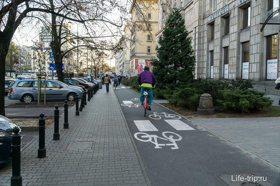 Весь центр в велосипедных дорожках,  и не только центр