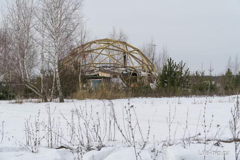 Один из куполов, недостроенный