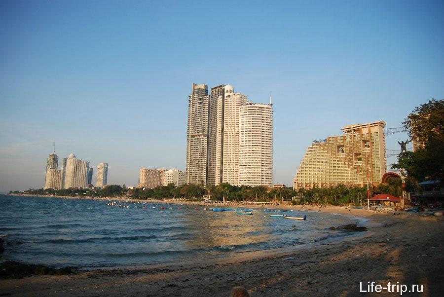 Вид на Вонгамат с мыса в южной части пляжа