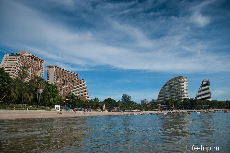 Самая инфраструктурно развитая часть пляжа