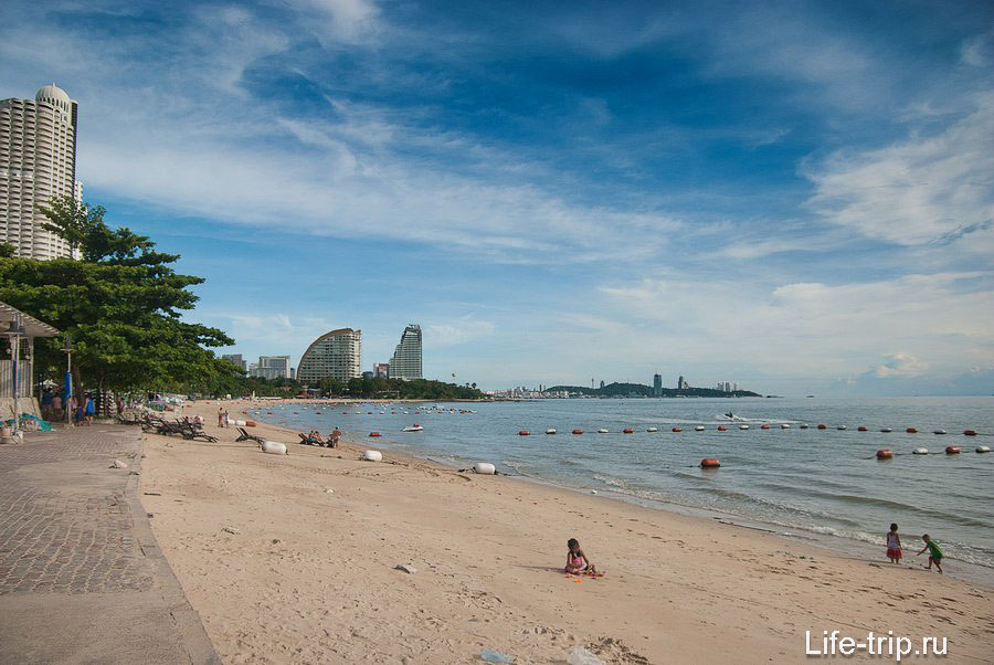 Вид с северной части пляжа