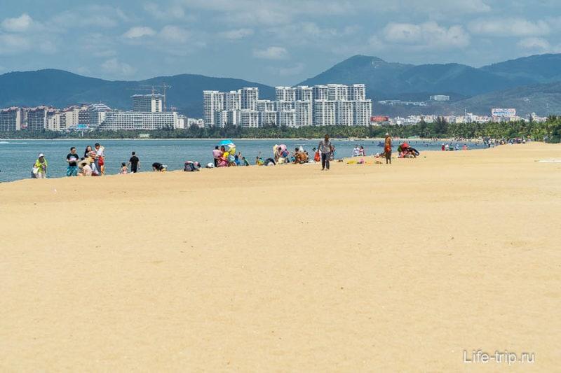 Пляж в Санья - Sanya Bay