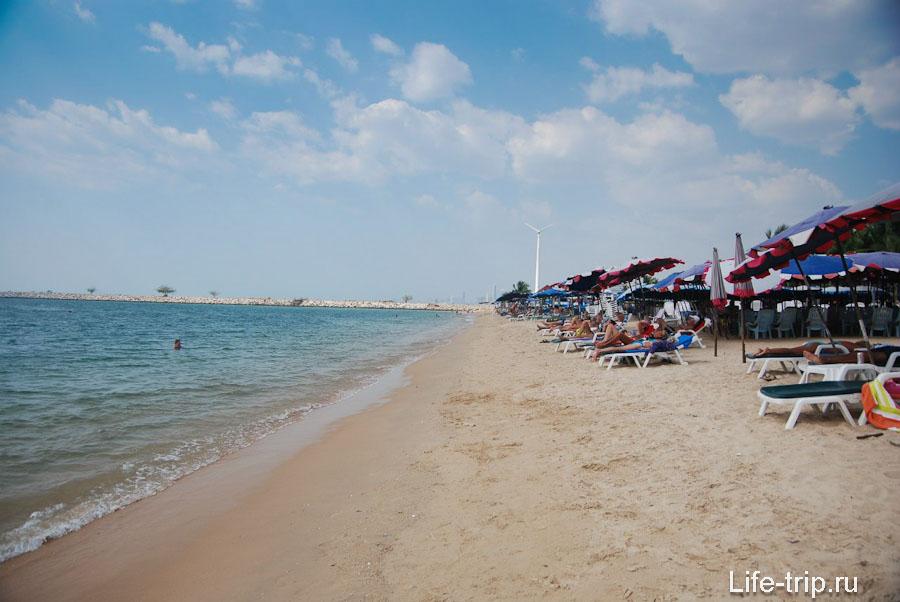 Вид на северную часть пляжа