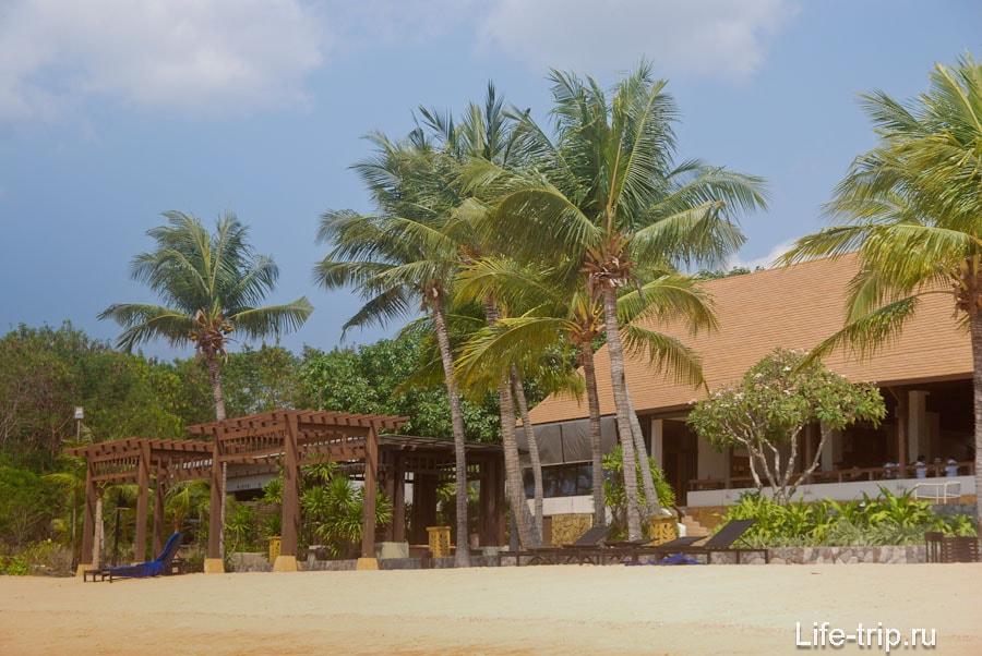 Отель в северной части пляжа