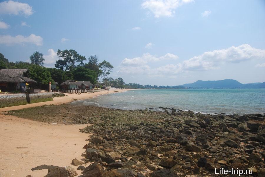 Пляж у Sunset Village Beach Resort