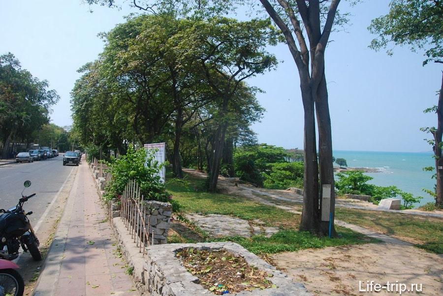 Улица у спуска на пляж