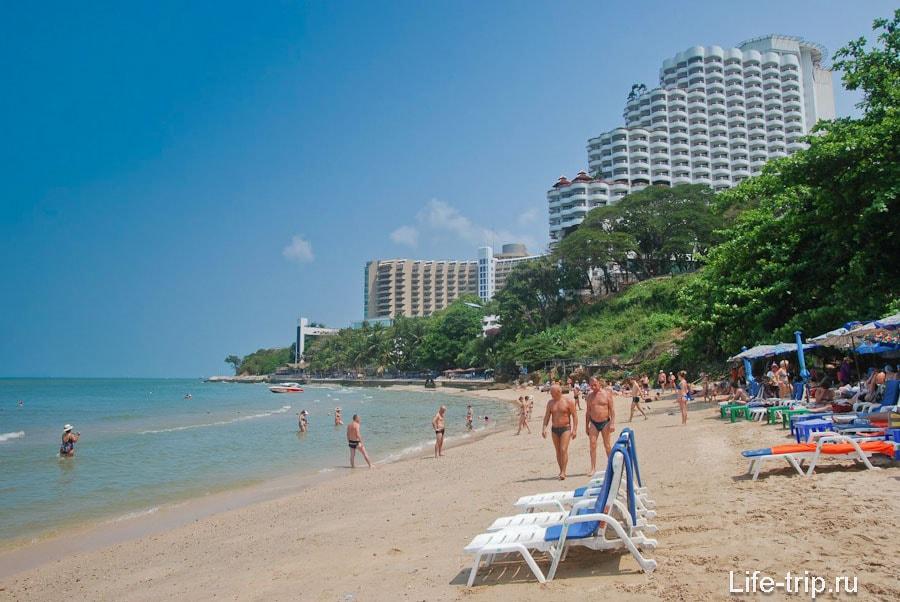 Пляж Кози Бич (Cosy Beach) — небольшой пляж Пратамнака