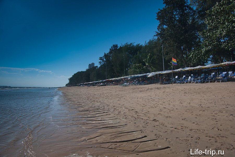 Вид в сторону пляжа Пратамнак