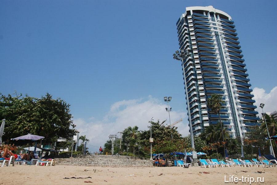 Выход на пляж в центральной части