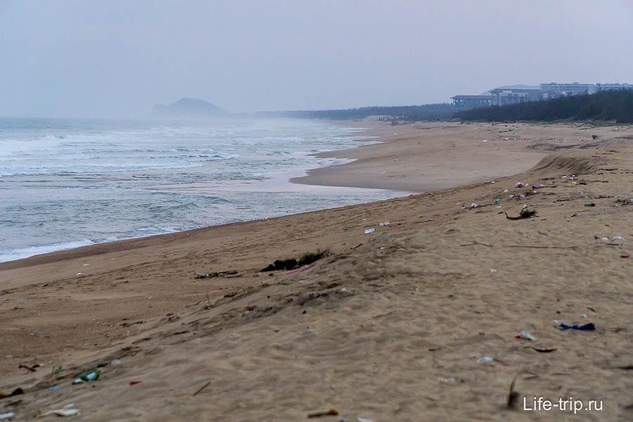 Пляж в другую сторону менее интересен