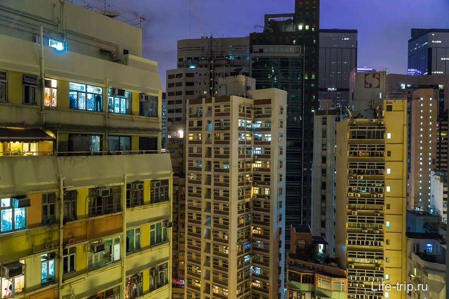 Вид из окна квартиры в Гонконге