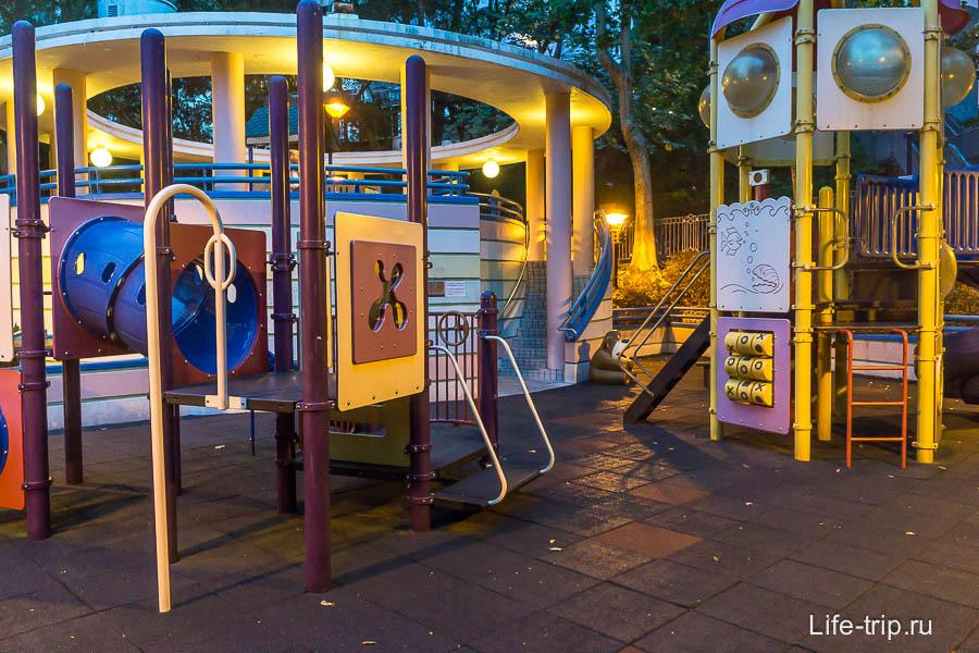 Детская площадка в парке Гонконг