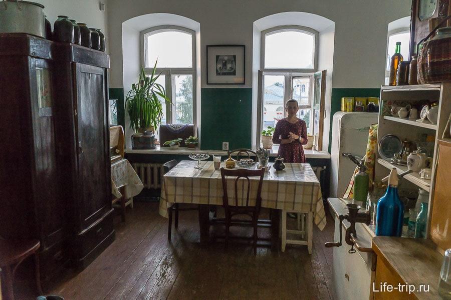 Типичная кухня коммунальной квартиры