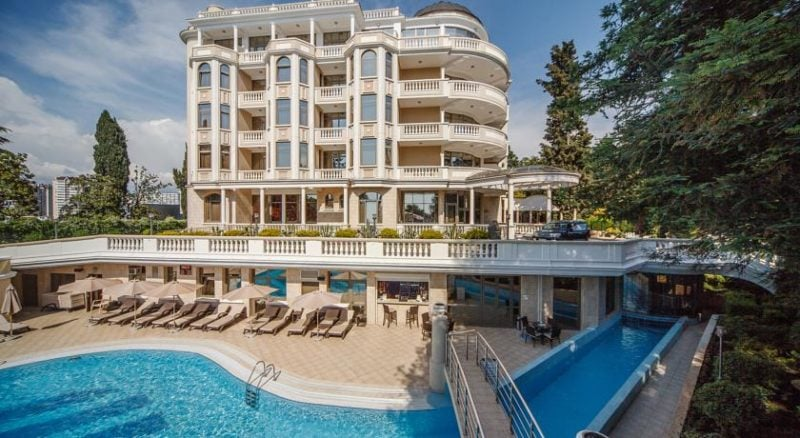 Отели в Сочи с собственным пляжем - все включено и без