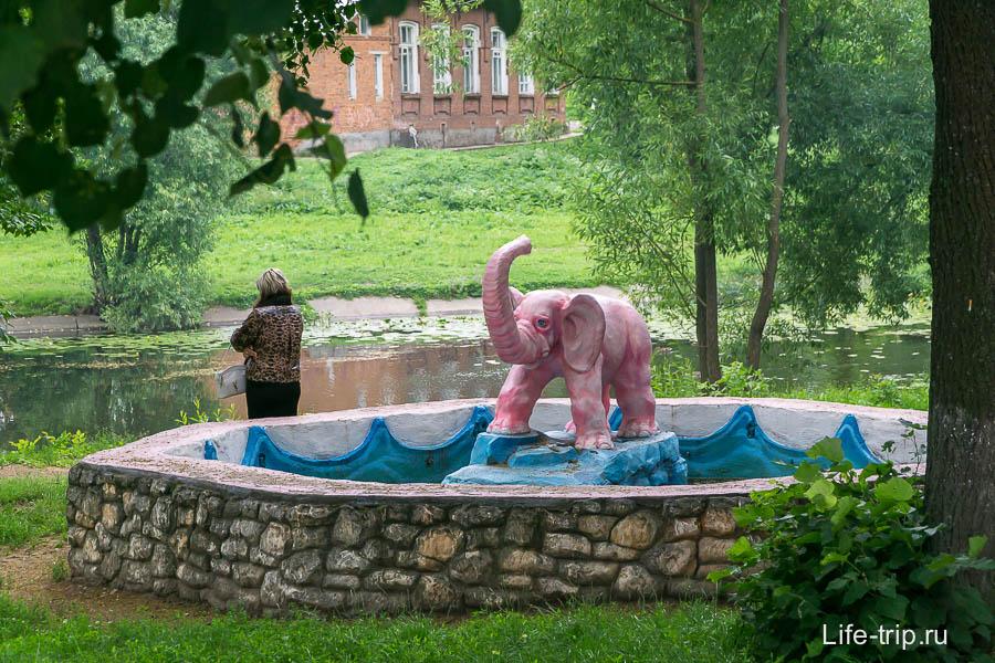 Розовый слон как-то совсем не к месту