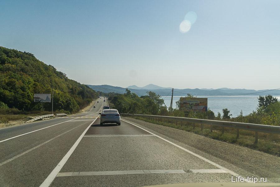 По пути к Туапсе периодически видно море