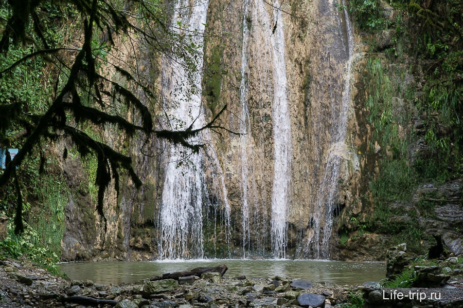 В самом начале самый высокий водопад