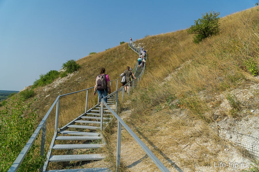 Поднимаемся выше по лестнице