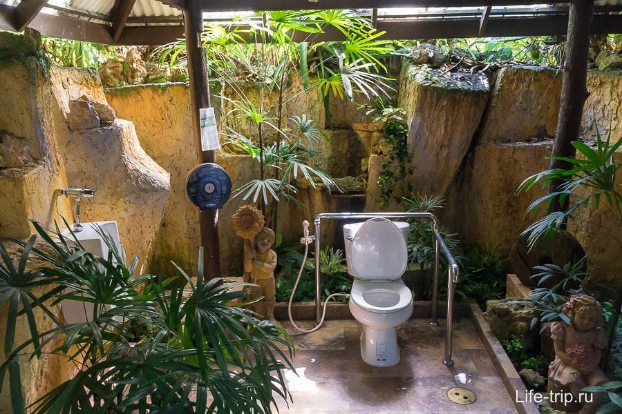 Просто красивый туалет, такой же сделаю у себя в вилле на берегу, когда её куплю