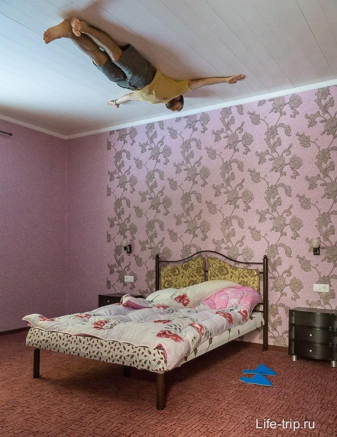 Летаю над кроватью