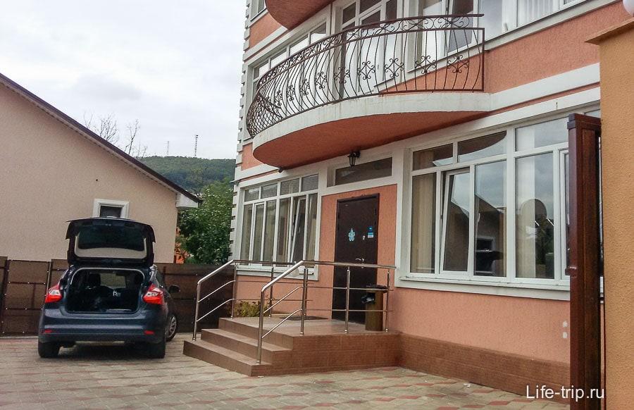 Хороший и недорогой отель в Туапсе