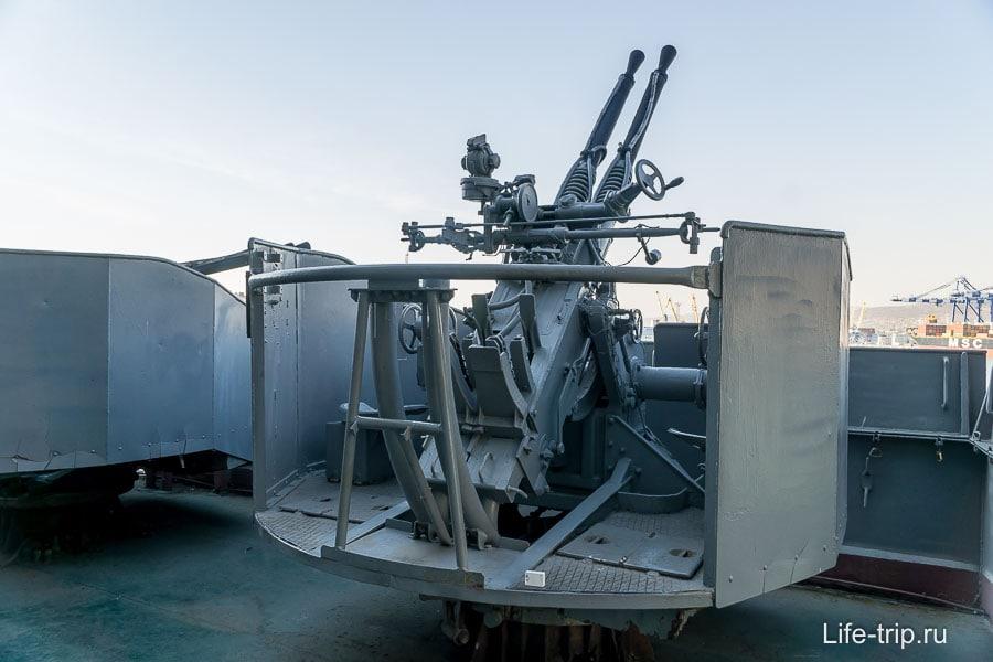 Зенитная двухорудийная установка ближнейго действия В-11