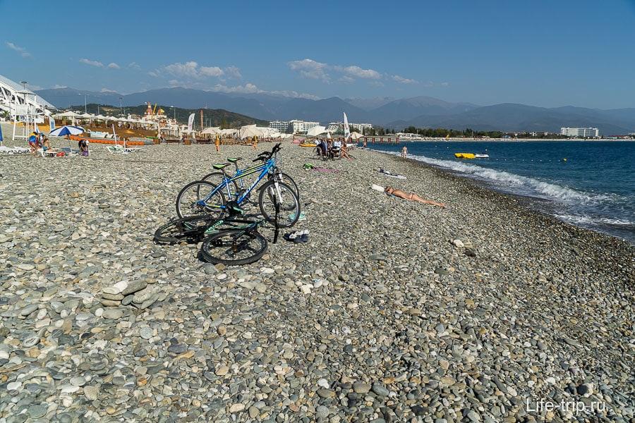 Неплохой пляж, людей немного и доступ свободный