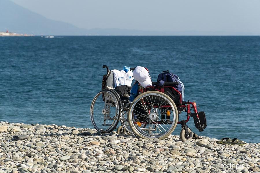 Здорово видеть коляски на пляже, но оборудования для купания не видел