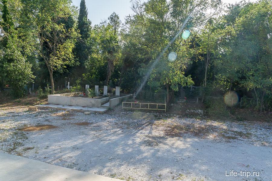 Старообрядческое кладбище прямо в центре Олимпийского парка