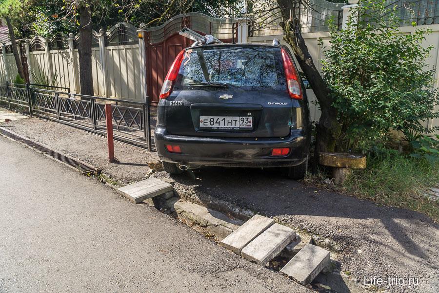 Гений парковки - вот так придется научиться, если переехать в Сочи