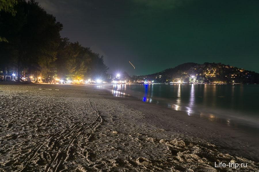 Пляж Банг Тао вечером