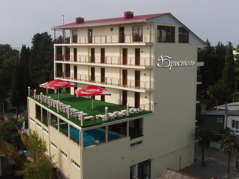 Отели Лазаревского у берега моря - список недорогих и лучших по рейтингу