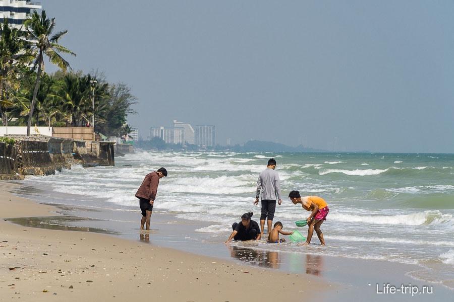 Пляж около хуахинского имигрейшена