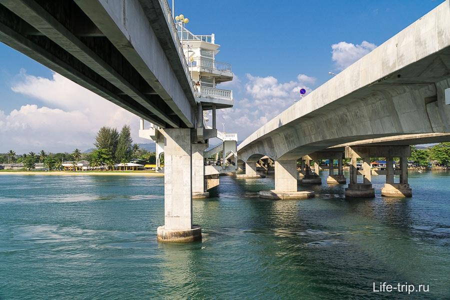 Два моста рядом, старый и новый