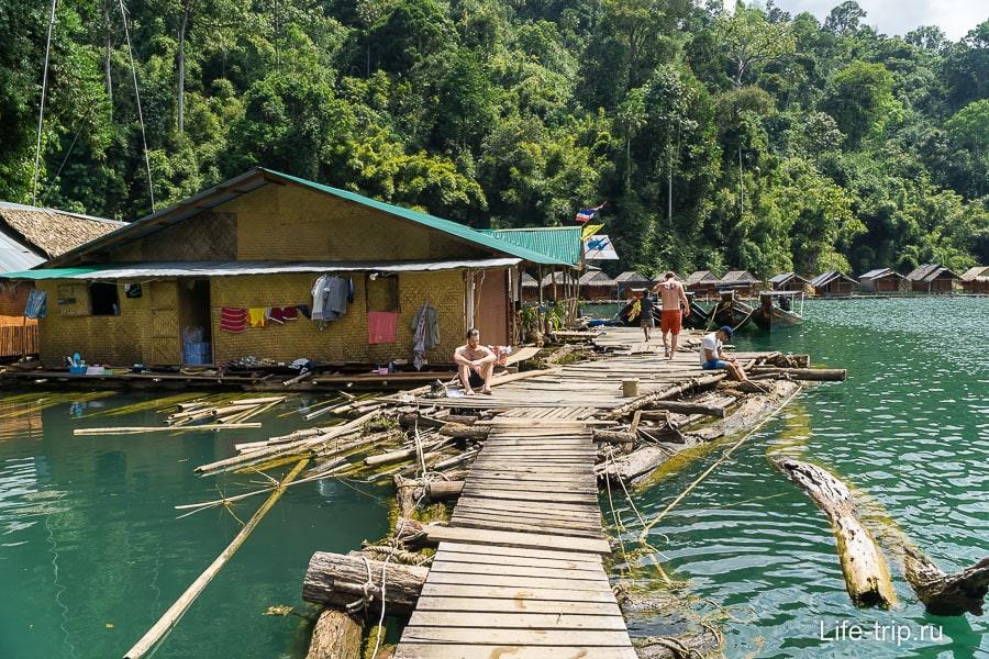 Рафтхауз на озере Чео Лан