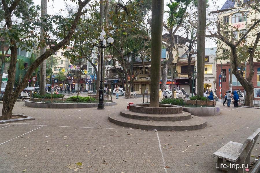 Детская площадка в Ханое - просто площадка