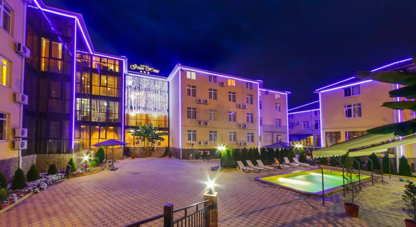 Отели в Сочи на берегу моря - список недорогих и лучших по рейтингу
