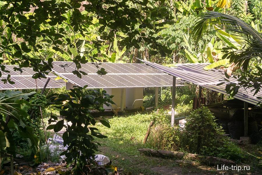 Электричество добывают от солнечных батарей