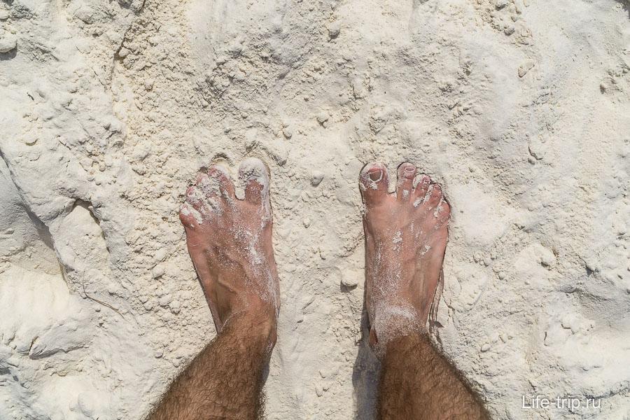 Белый мелкий песок, похожий на муку. Мечта многих?