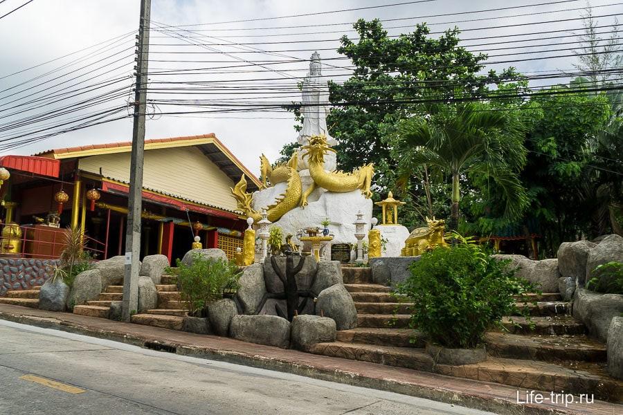 Китайский храм в Као Лаке